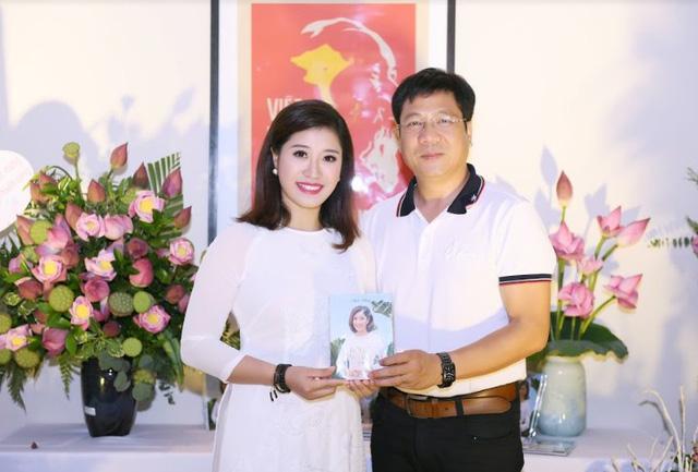 """Sao mai Bích Hồng ra mắt album CD """"Lời ca dâng Người"""" - Ảnh 3."""
