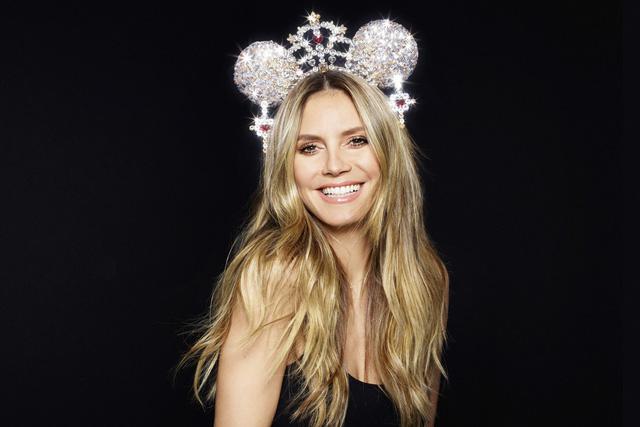 """Disney """"rủ"""" Karlie Kloss Heidi Klum ra mắt bộ sưu tập nơ chuột Mickey và Minnie - Ảnh 4."""