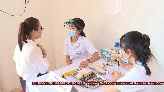 Thăm khám bệnh miễn phí cho hơn 300 thầy cô giáo tại đảo Lý Sơn - Ảnh 4.