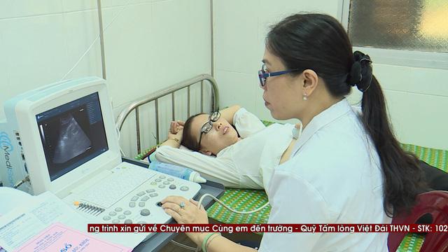 Thăm khám bệnh miễn phí cho hơn 300 thầy cô giáo tại đảo Lý Sơn - Ảnh 5.