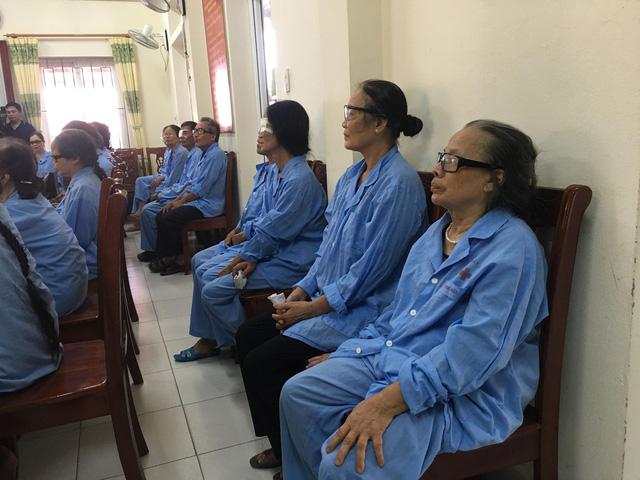 Hỗ trợ 560 triệu đồng mổ thay thể thủy tinh cho 200 người cao tuổi tại tỉnh Thái Bình - Ảnh 7.