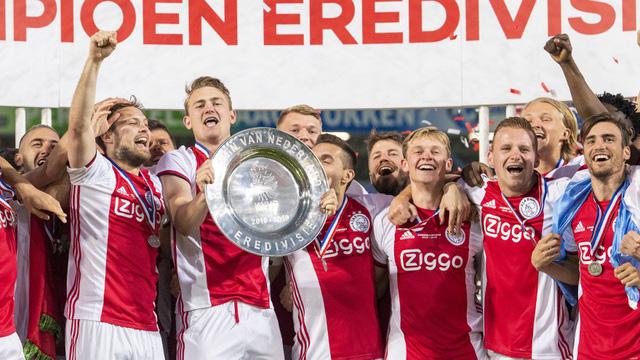 De Graafschap 1-4 Ajax: Chức vô địch lần thứ 34 - Ảnh 2.