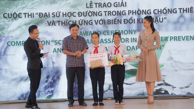 Trao giải cuộc thi Đại sứ học đường trong Phòng chống thiên tai và thích ứng biến đổi khí hậu - Ảnh 7.