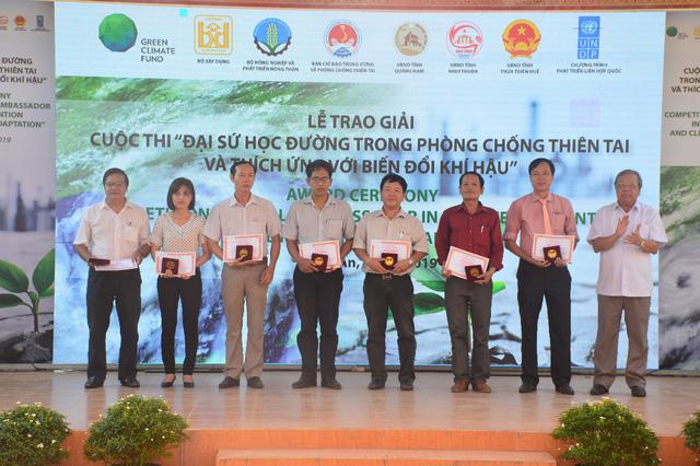 Trao giải cuộc thi Đại sứ học đường trong Phòng chống thiên tai và thích ứng biến đổi khí hậu - Ảnh 5.