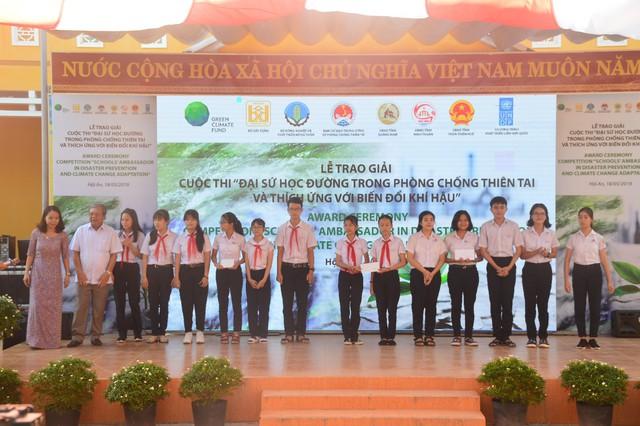 Trao giải cuộc thi Đại sứ học đường trong Phòng chống thiên tai và thích ứng biến đổi khí hậu - Ảnh 8.