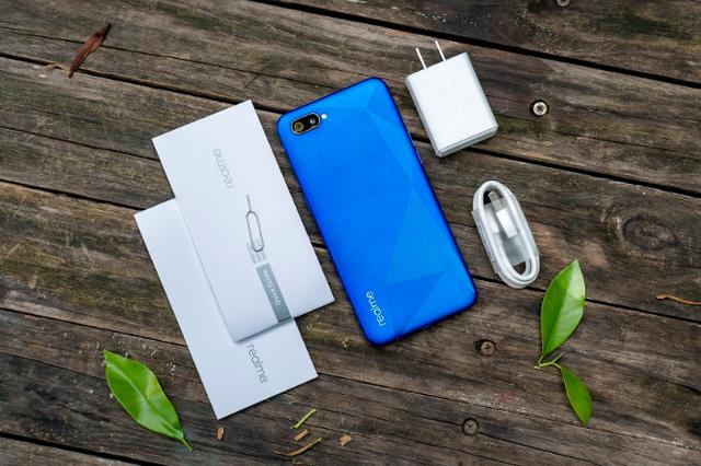 Cận cảnh smartphone Realme C2 giá rẻ dưới 3 triệu đồng - Ảnh 2.