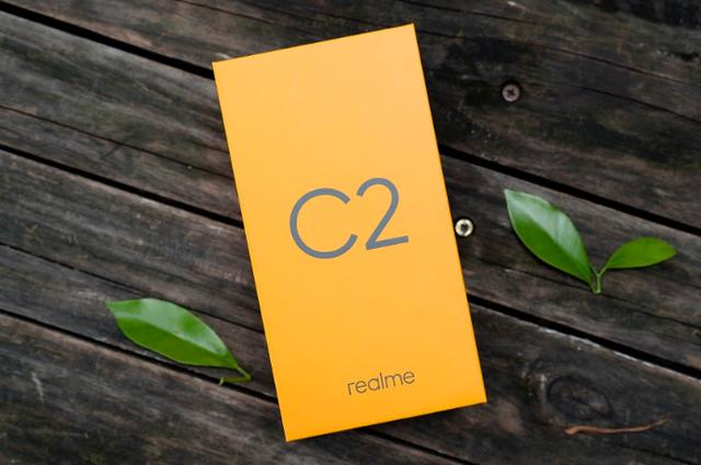 Cận cảnh smartphone Realme C2 giá rẻ dưới 3 triệu đồng - Ảnh 1.