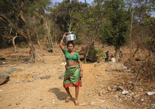 600 triệu người dân Ấn Độ thiếu nước sinh hoạt - Ảnh 2.