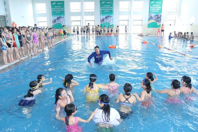 Phát động toàn dân tập luyện môn bơi, phòng chống đuối nước năm 2019 - Ảnh 1.