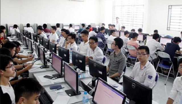Dự kiến tổ chức thi THPT Quốc gia trên máy tính - Ảnh 1.