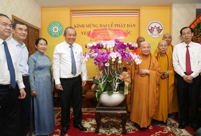 PTTg Trương Hòa Bình chúc mừng đại lễ Phật đản tại TP.HCM - Ảnh 3.