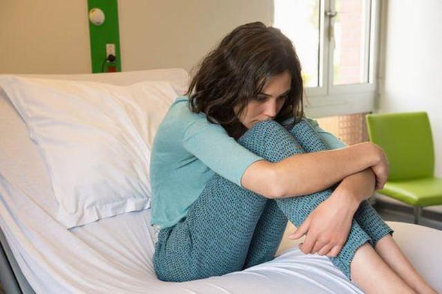 Số trẻ nhập viện tâm thần tăng đột biến tại Anh - Ảnh 1.