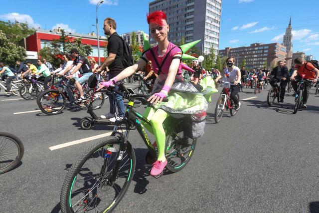 40.000 người đạp xe vòng quanh Moscow, Nga kêu gọi giảm khí thải - Ảnh 2.