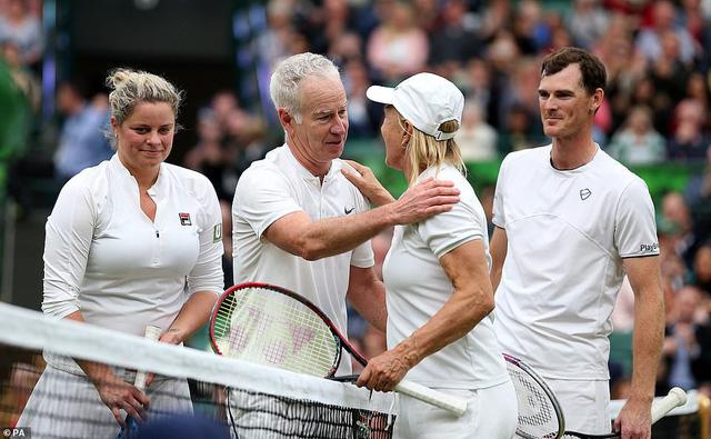 Các tay vợt hào hứng trải nghiệm mái che tại sân số 1 của Wimbledon - Ảnh 2.