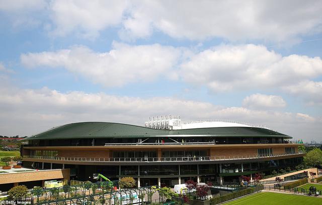 Các tay vợt hào hứng trải nghiệm mái che tại sân số 1 của Wimbledon - Ảnh 5.