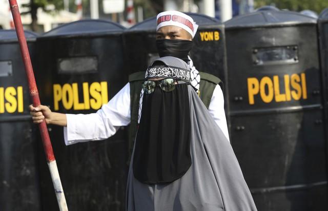 Indonesia ban bố tình trạng báo động an ninh tại thủ đô Jakarta - Ảnh 2.