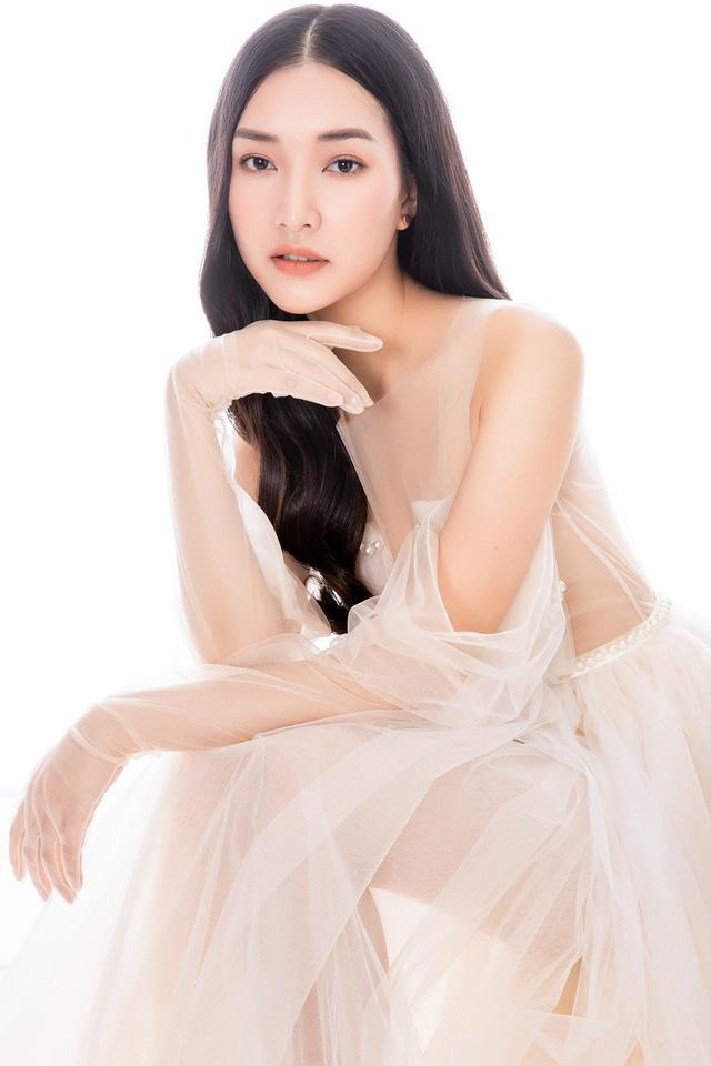 Nàng thơ xứ Huế Ngọc Trân khoe nhan sắc kiêu sa với đầm dạ hội - ảnh 6