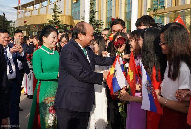 Lễ đón chính thức Thủ tướng Nguyễn Xuân Phúc tại Thủ đô Moscow (Nga) - Ảnh 5.