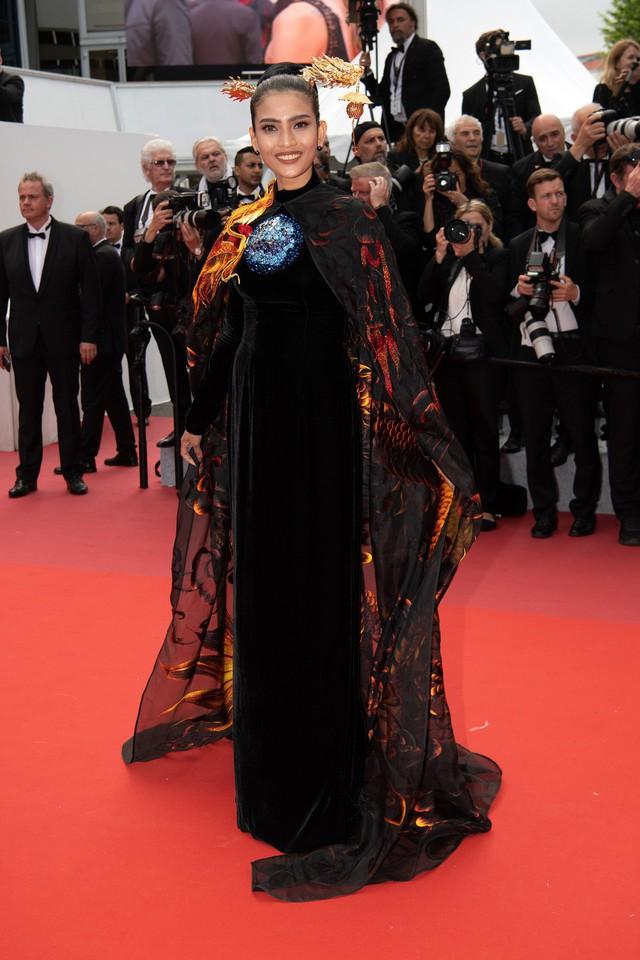 Trương Thị May diện áo dài lộng lẫy trên thảm đỏ Cannes 2019 - Ảnh 6.