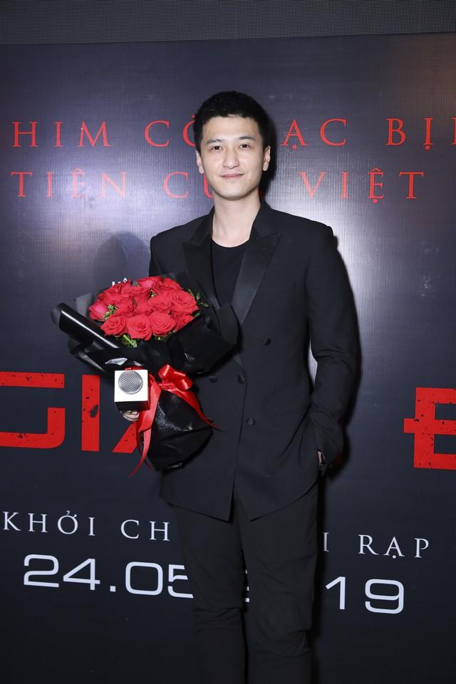 Xuân Nghị, Huỳnh Anh lịch lãm trên thảm đỏ trong ngày ra mắt phim Vô gian đạo - Ảnh 4.