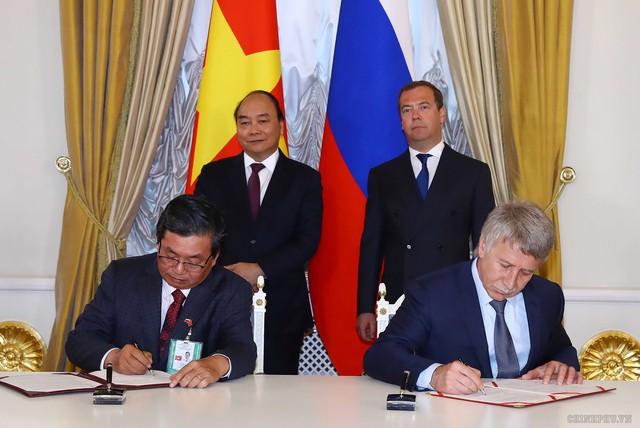 Việt Nam - Nga ký kết nhiều văn kiện hợp tác - Ảnh 1.