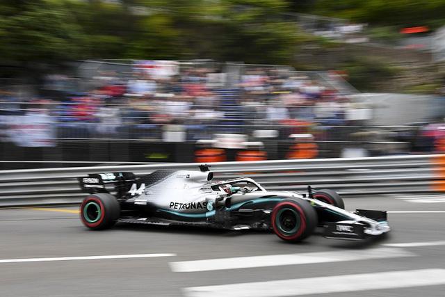 Lewis Hamilton nhanh nhất trong ngày đua thử GP Monaco - Ảnh 1.