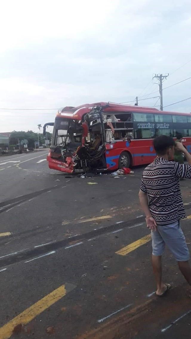Hai xe khách tông nhau tại Gia Lai, 7 người bị thương - Ảnh 1.