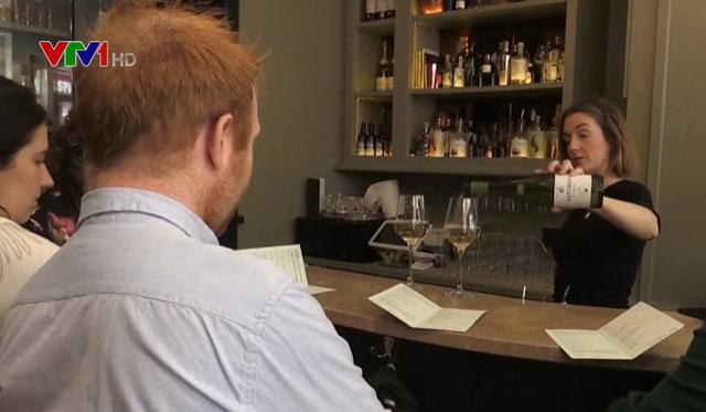 Quán rượu đầu tiên tại Ireland nói không với đồ uống có cồn - Ảnh 1.