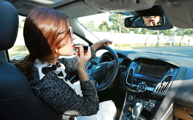 6 bí kíp bỏ túi giúp phái đẹp lái xe an toàn hơn - Ảnh 5.