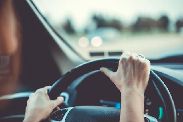 6 bí kíp bỏ túi giúp phái đẹp lái xe an toàn hơn - Ảnh 6.