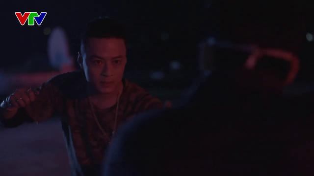Hồng Đăng hứng thú với hình ảnh mới cắt tóc, đeo khuyên trong Mê cung - Ảnh 1.
