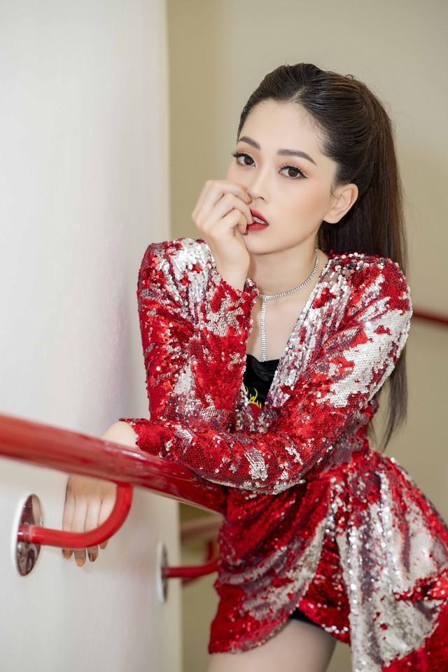 Á hậu Phương Nga vừa cover vừa nhảy bài hit của Hồ Ngọc Hà - Ảnh 9.