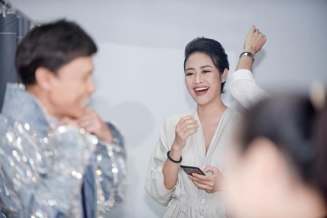 MC Phí Linh lên tiếng về thí sinh The Voice tỏ thái độ khi không được gọi nghệ danh - Ảnh 1.