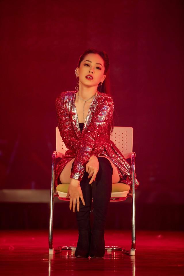 Á hậu Phương Nga vừa cover vừa nhảy bài hit của Hồ Ngọc Hà - Ảnh 5.
