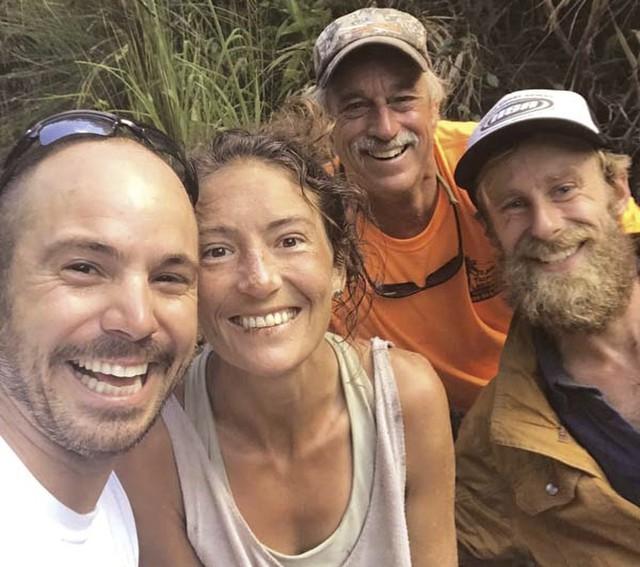 Giáo viên yoga sống sót sau 17 ngày lạc trong rừng Hawaii - Ảnh 1.