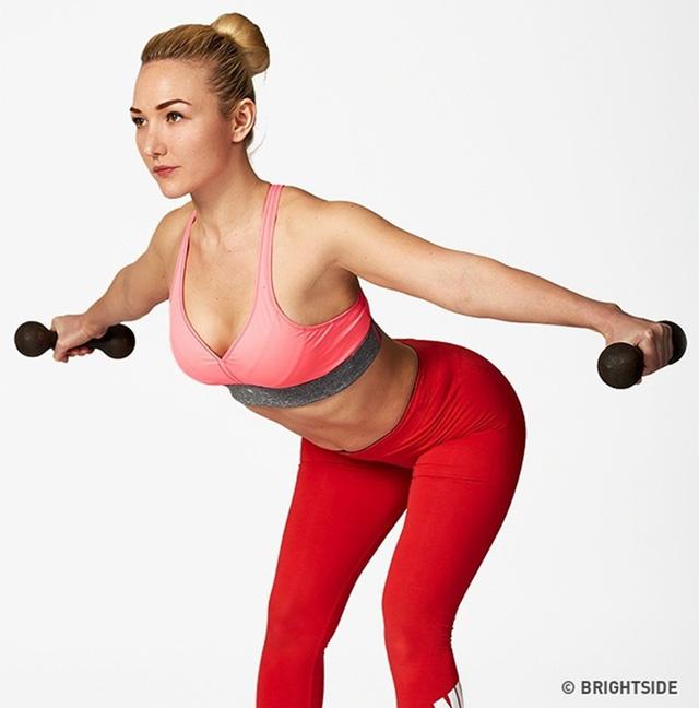 Bài tập nâng ngực giúp bạn có vòng một quyến rũ - Ảnh 7.