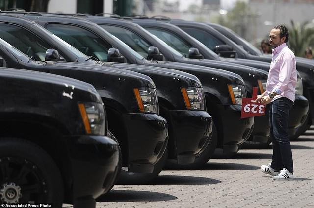 Mexico bán đấu giá xe của tội phạm, lấy tiền nuôi dân - Ảnh 1.