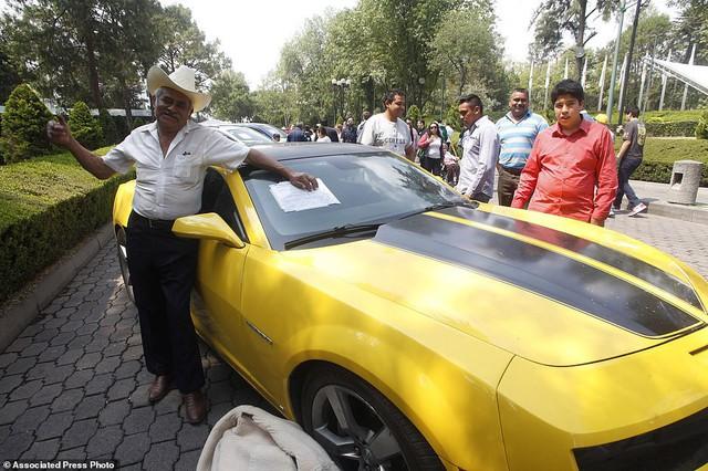 Mexico bán đấu giá xe của tội phạm, lấy tiền nuôi dân - Ảnh 2.