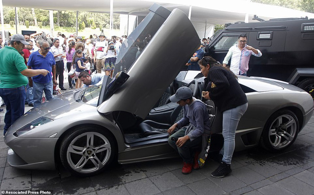 Mexico bán đấu giá xe của tội phạm, lấy tiền nuôi dân - Ảnh 3.