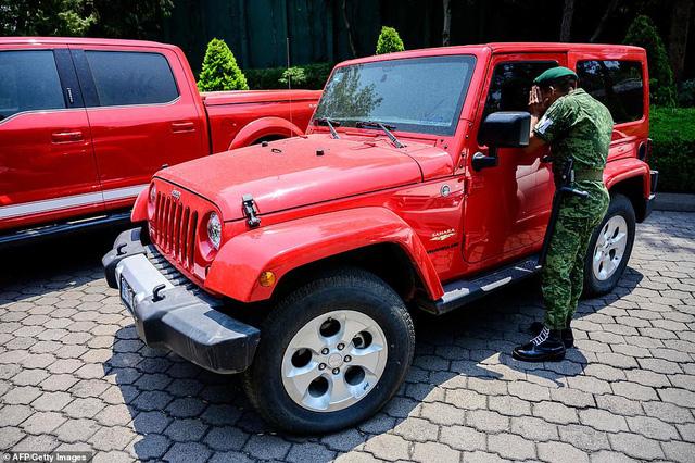 Mexico bán đấu giá xe của tội phạm, lấy tiền nuôi dân - Ảnh 4.