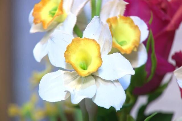 Độc đáo dịch vụ nặn hoa từ đất sét - Ảnh 4.