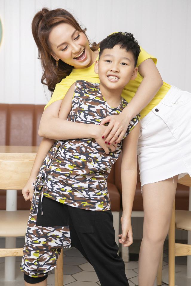 Bảo Thanh lần đầu rủ con trai làm người mẫu - Ảnh 3.