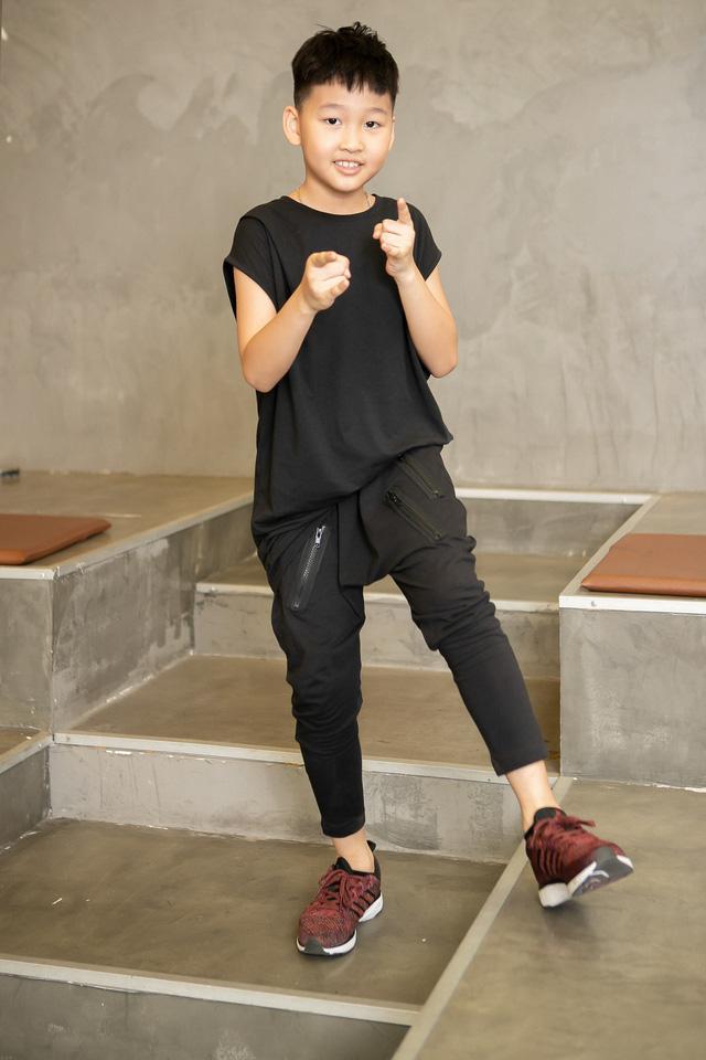 Bảo Thanh lần đầu rủ con trai làm người mẫu - Ảnh 1.