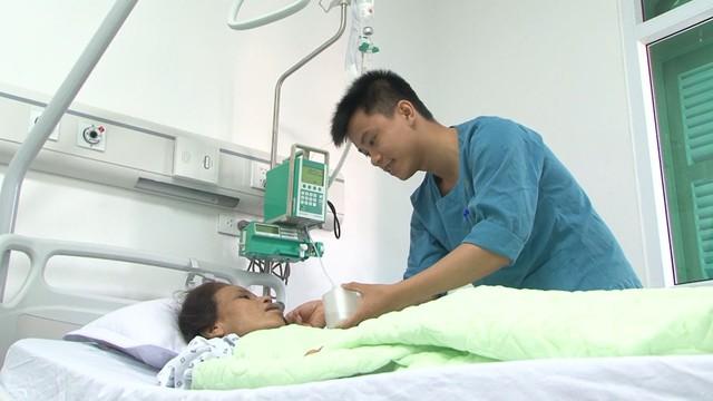 Hơn 500.000 người dân được tầm soát ung thư đại trực tràng sớm - Ảnh 1.