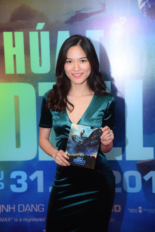Dàn sao Việt phát cuồng vì Chúa tể Godzilla - Ảnh 8.