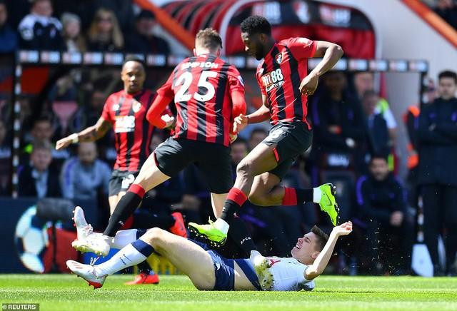 Nhận 2 thẻ đỏ, Tottenham thất bại trên sân Bournemouth - Ảnh 2.