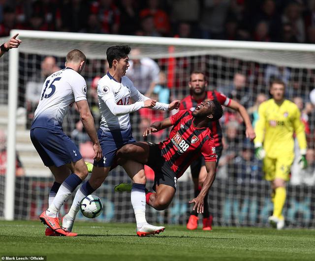 Nhận 2 thẻ đỏ, Tottenham thất bại trên sân Bournemouth - Ảnh 1.