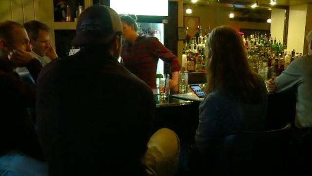 """Độc - lạ: Ly cocktail """"đèn đỏ"""" - Ảnh 2."""