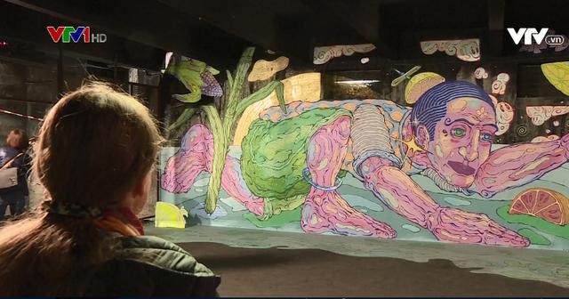 Nghệ sĩ vẽ tranh đường phố trên thế giới tham gia triển lãm Sơn mới - Ảnh 1.