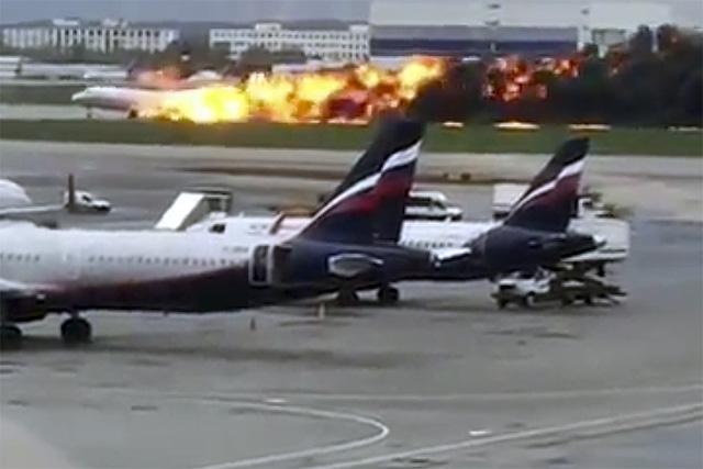 Nga khởi tố hình sự vụ tai nạn máy bay khiến 41 người thiệt mạng - Ảnh 2.
